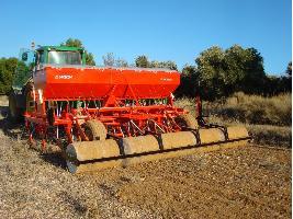 Sembradora de siembra directa de reja con rulo de 4 metros para cereales Larrosa