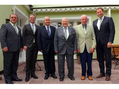 La Asociación de Fabricantes Húngaros de Maquinaria Agrícola rinde homenaje a Helmut Claas - 0