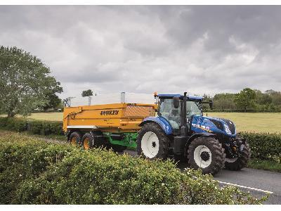 El sistema de freno inteligente de remolque de New Holland ofrece la mejor seguridad y estabilidad de su clase en los tractores T7 y T6 AutoCommand - 1