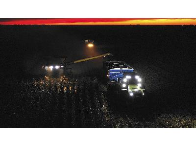 NEW WORLD CORN RECORDS WITH CLAAS - 3