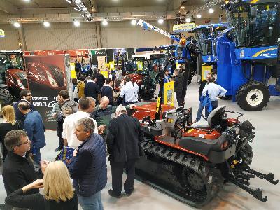 New Holland certifica su liderazgo en el segmento de Tractores Especiales y Vendimiadoras en Tecnovid 2019 - 0