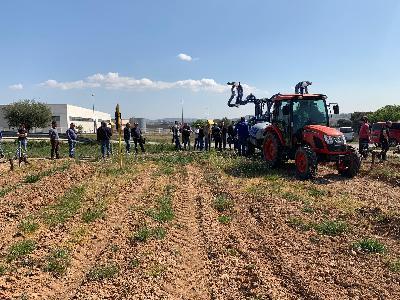 JORNADA DE DEMO EN AGRICOLA MAYO CON LOS TRACTORES KIOTI. - 3