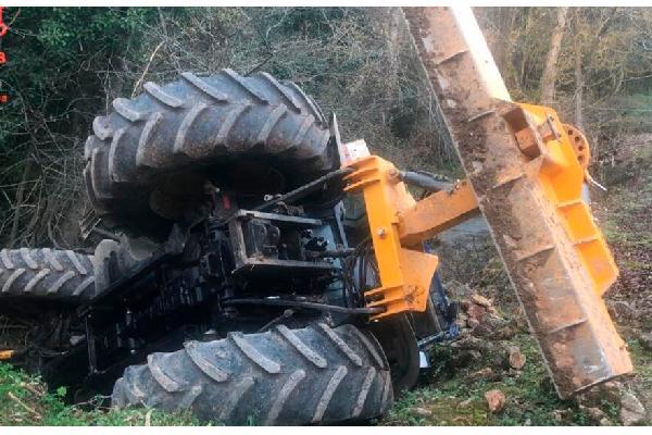 Más vale tarde: 'Tu vida, sin vuelcos', campaña del Instituto Nacional de Seguridad y Salud en el Trabajo para evitar accidentes con tractor.
