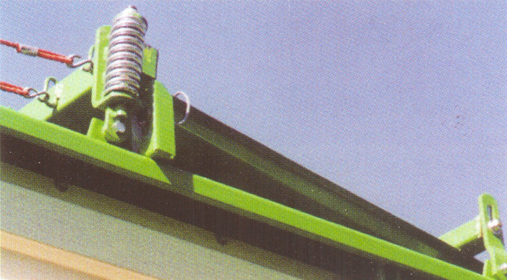 Bergmann > ROYAL 28 S - 50,4 m³ - Pick-up 1,90 m. - eje tandem 16 Tons. - freno hidráulico - 6