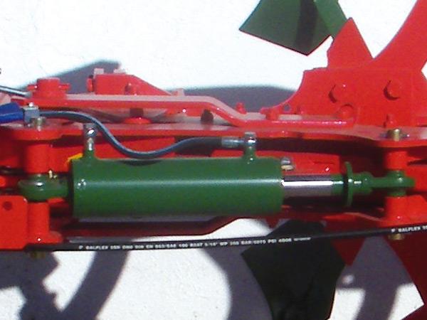Arados de vertedera sanchez arados non stop hidro for Cilindro hidroneumatico
