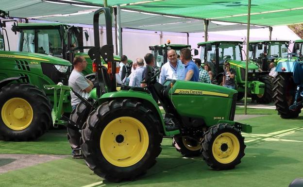 Mayor espacio de exposición en la Feria de Maquinaria Agrícola de Úbeda - 0