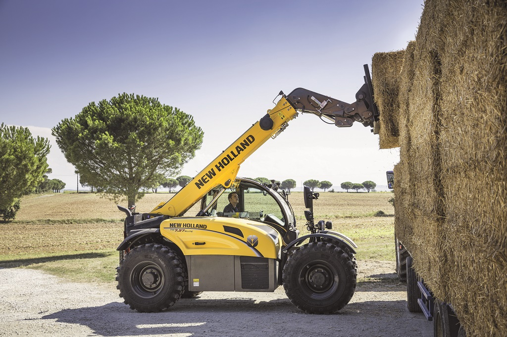 "NUEVA TELESCÓPICA NEW HOLLAND GAMA ""TH"""