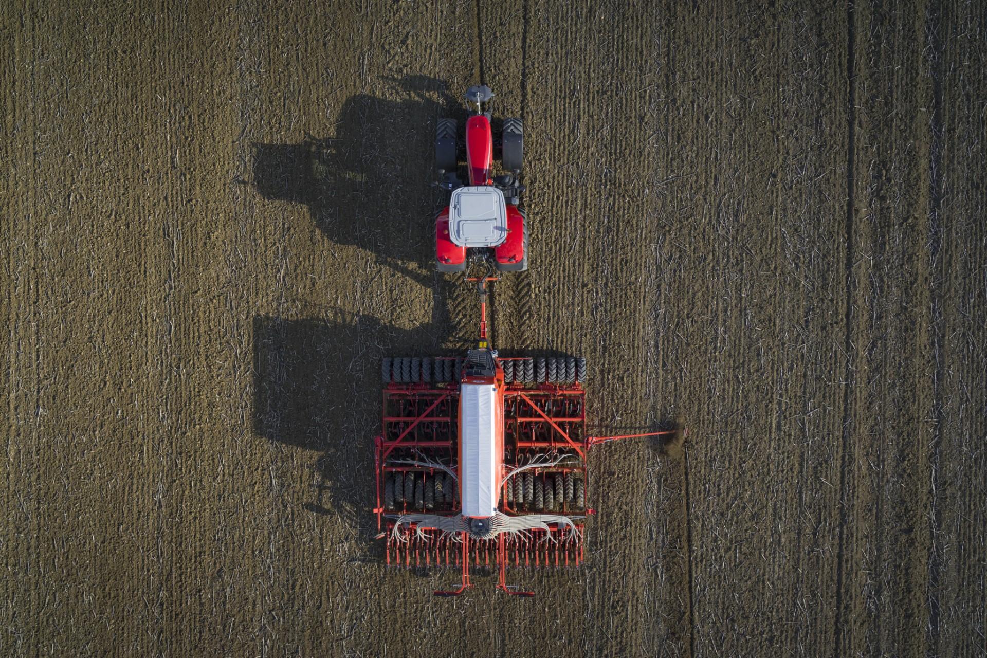 Ahorrar combustible en la siembra sin perder potencia es posible gracias a la Espro de Kuhn - 1