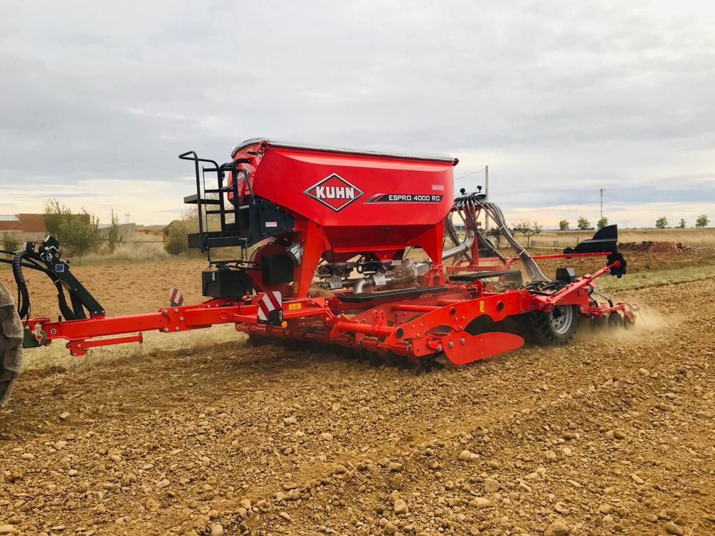 Ahorrar combustible en la siembra sin perder potencia es posible gracias a la Espro de Kuhn - 0