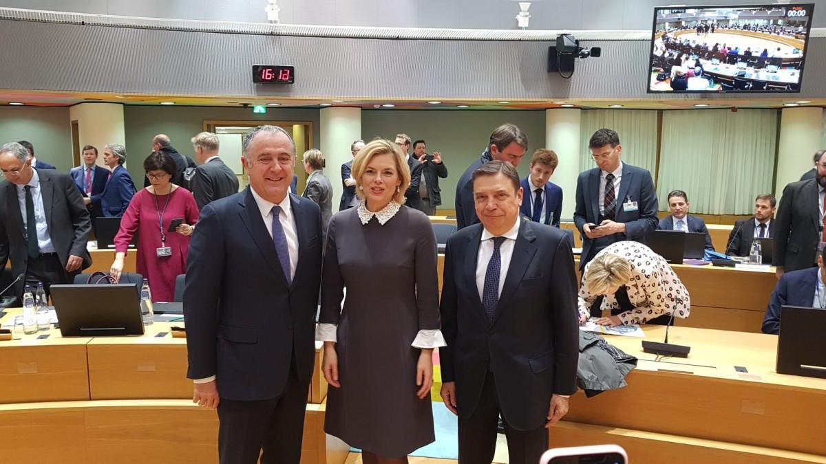 Alemania, España y Francia comparten su ambición para la futura PAC: una Política Agrícola Común más verde y simple, con un presupuesto a la altura de dichos retos - 0