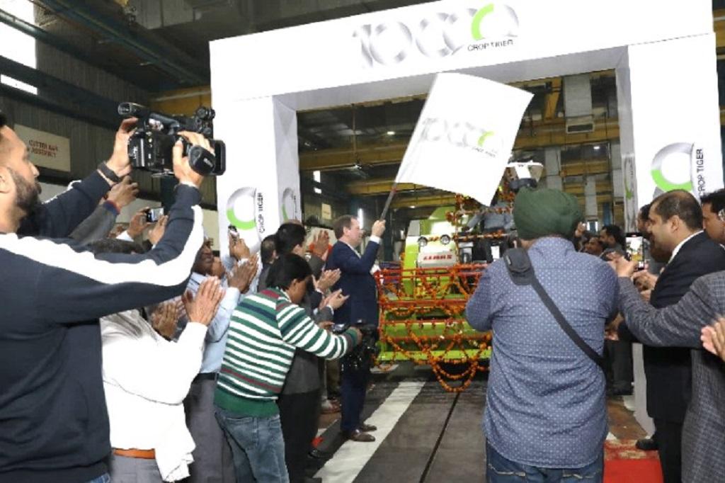 CLAAS India celebra la producción 10.000 del CROP TIGER