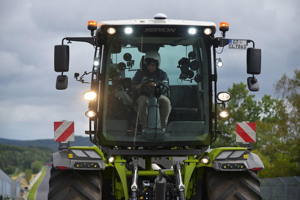 CLAAS XERION debuta en el Nordschleife - 0