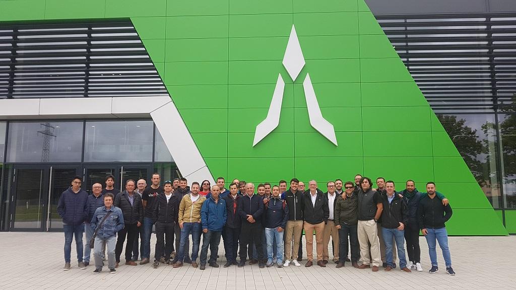 Concesionarios y clientes españoles vuelven a disfrutar del complejo productivo de Deutz-Fahr en Alemania