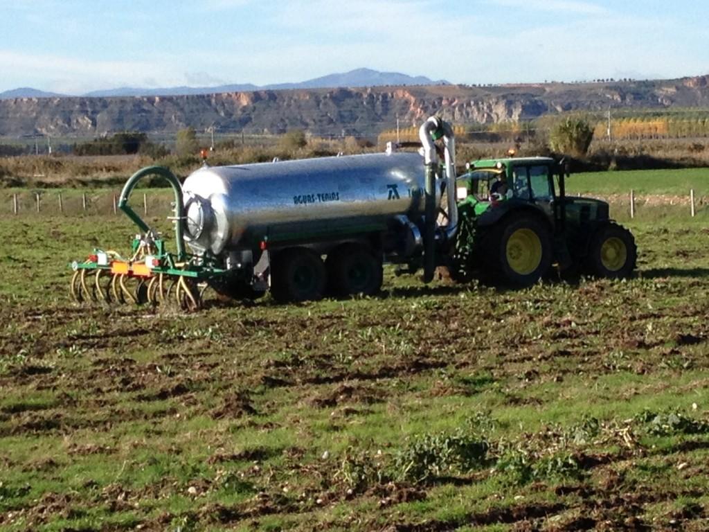 El Gobierno aprueba las bases reguladoras de las subvenciones destinadas a financiar avales para la compra de maquinaria agrícola.