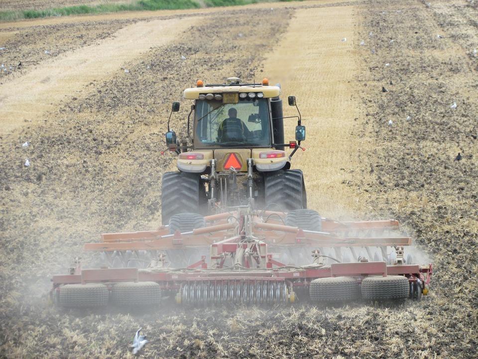 El ministro Planas analiza con Unión de Uniones los avances en la reforma de la Política Agraria Común.