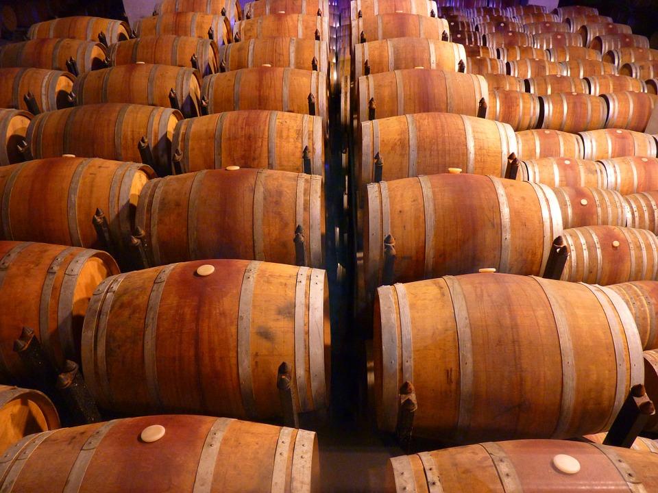 El stock de vino y mostos en España alcanzó los 59,3 Mhl al cierre de febrero.
