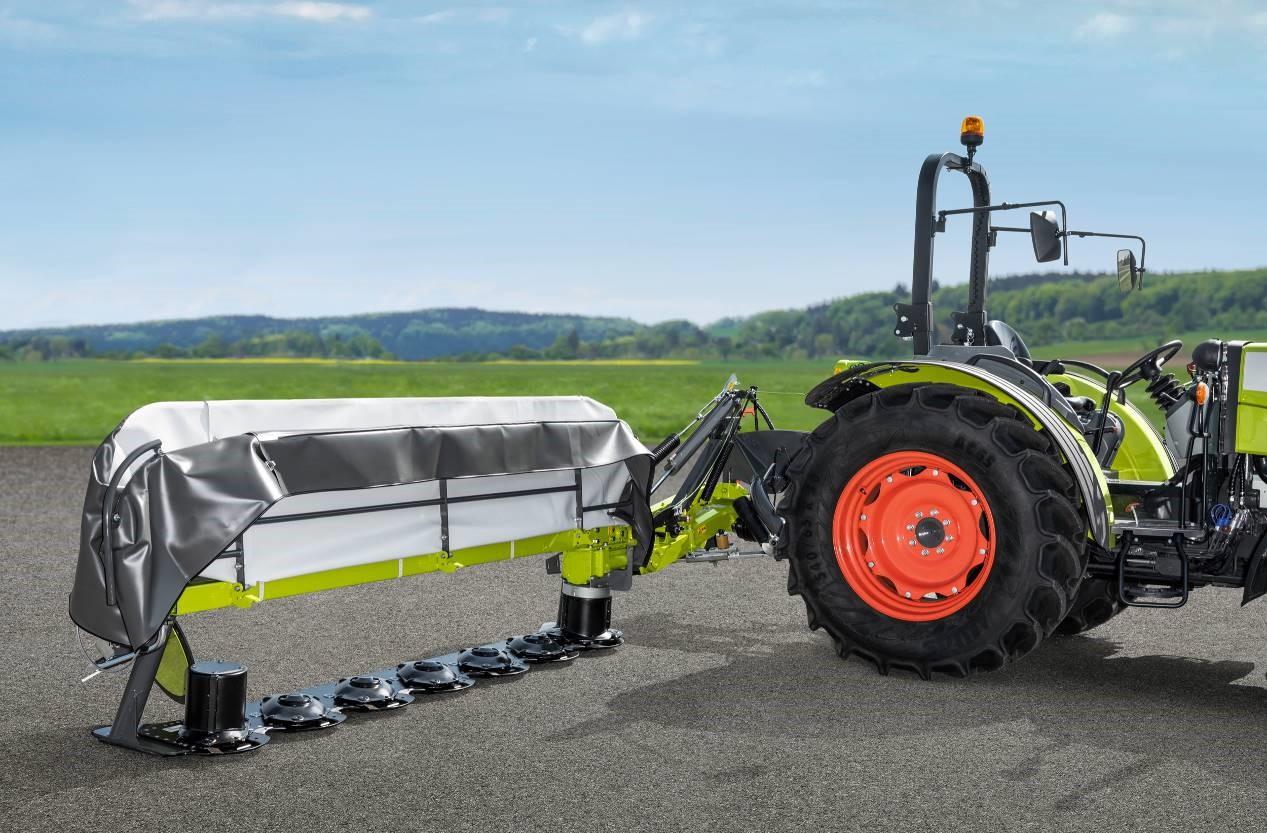 La cama de la cortadora de césped MAX CUT ya está disponible de 2,2 m de ancho de trabajo*