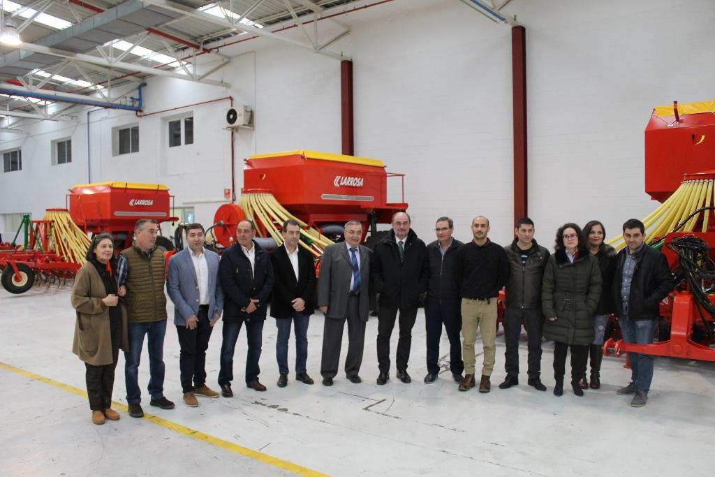 Larrosa Arnal, maquinaria agrícola de última generación fabricada en el Campo de Belchite desde hace casi 90 años - 0