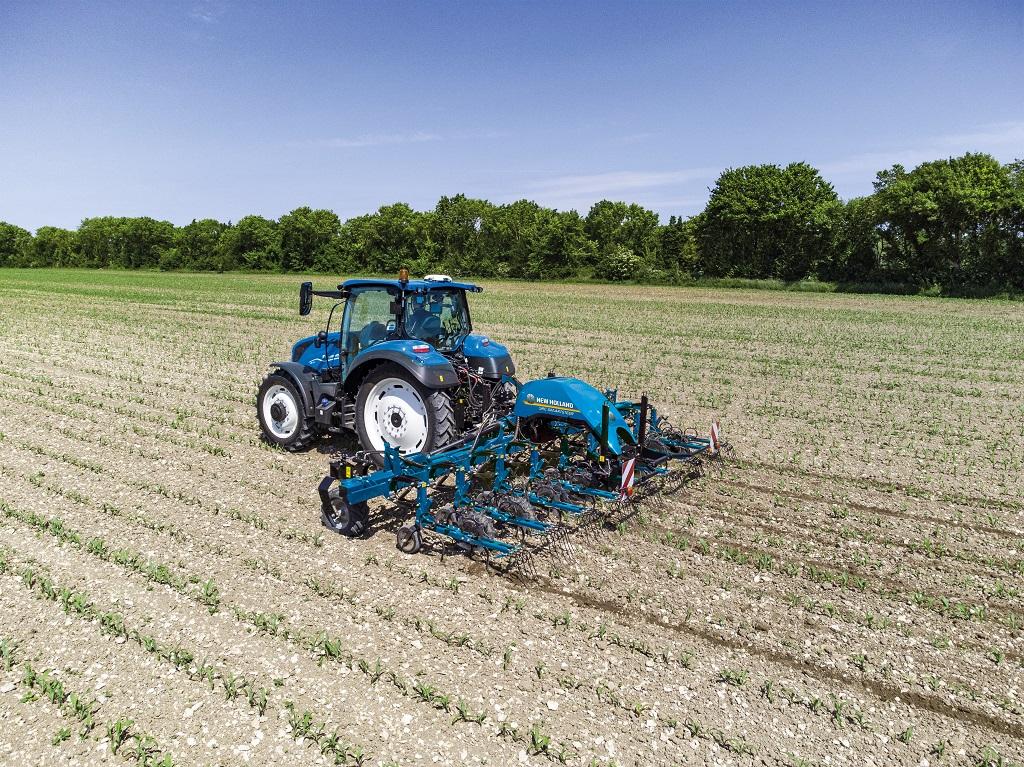 New Holland amplía su gama de cultivadores con el modelo SRC SmartSteerTM, dotado de sistema de autoguiado con cámara