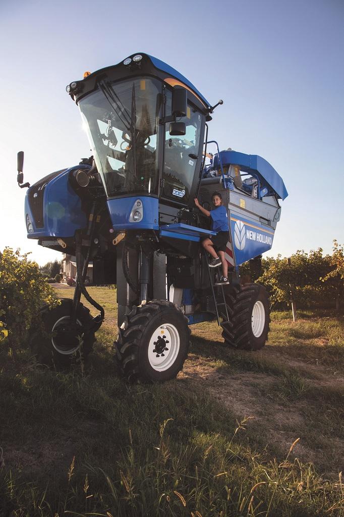 New Holland celebra el papel fundamental de las mujeres en la agricultura en el Día de las Mujeres Rurales - 2