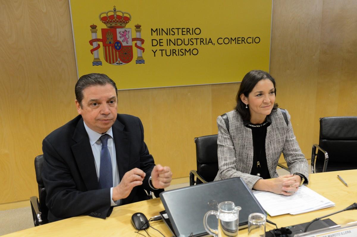 Reyes Maroto y Luis Planas garantizan al sector agroalimentario el compromiso del Gobierno en defensa de los intereses españoles frente a los aranceles de EE.UU. - 0