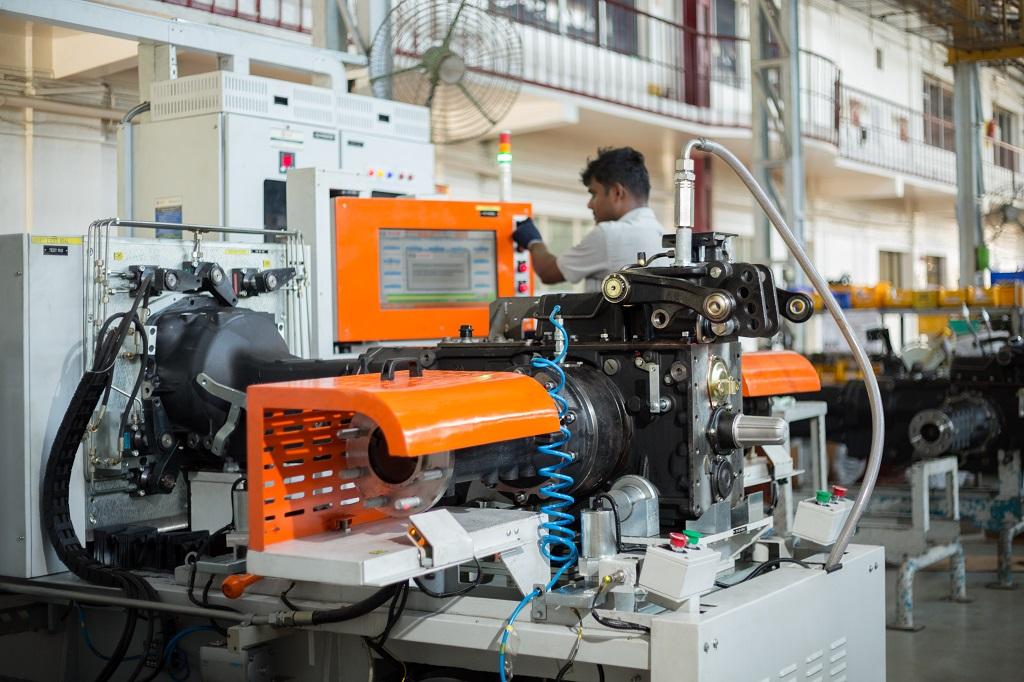 SDF renueva su planta de tractores de la India