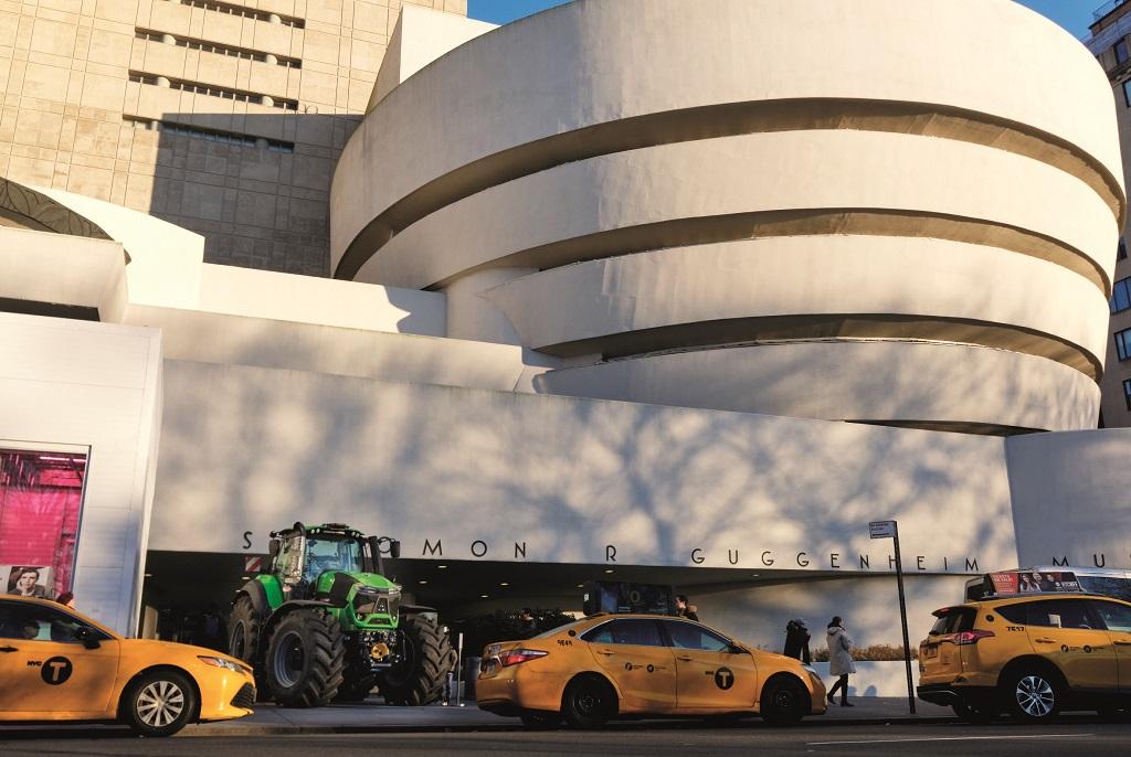 Un DEUTZ-FAHR 9340 TTV Warrior será el icono de la exposición «El campo, el futuro» del Museo Guggenheim.