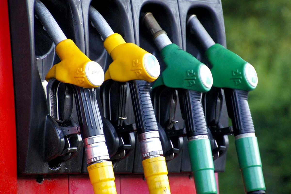 Unión de Uniones critica que la bajada de petróleo del 55,8 % desde enero no se ha trasladado al gasóleo agrícola - 0