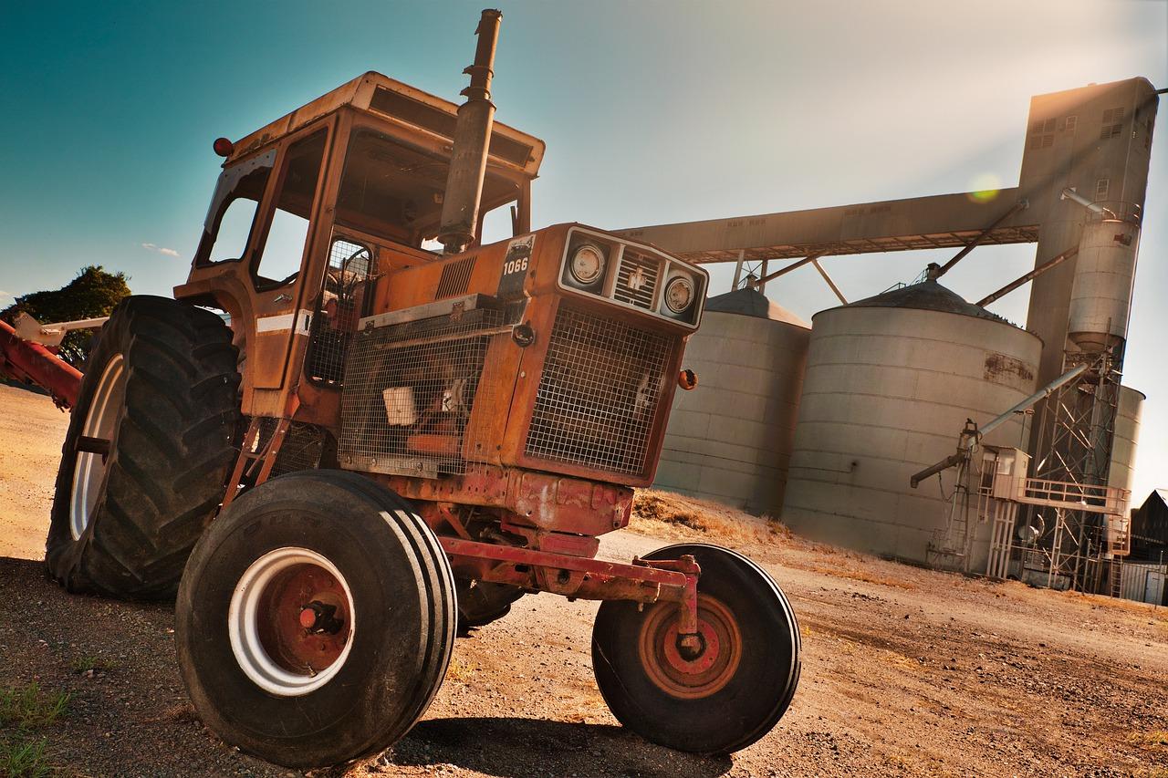 Unión de Uniones se opone a la baja de oficio de los tractores y maquinaria más antiguos que propone el MAPA sin tener datos reales ni alternativas - 0